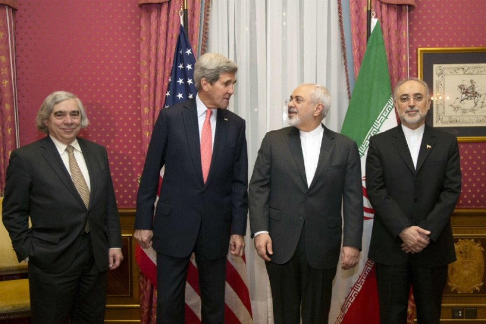 US Energy Secretary Ernest Moniz, US Secretary of State John Kerry, Iran's Foreign Minister Mohammad Javad Zarif and the head of the Atomic Energy Organization of Iran Ali Akbar Salehi (L-R) pose for a photograph during Iran-US nuclear talks.